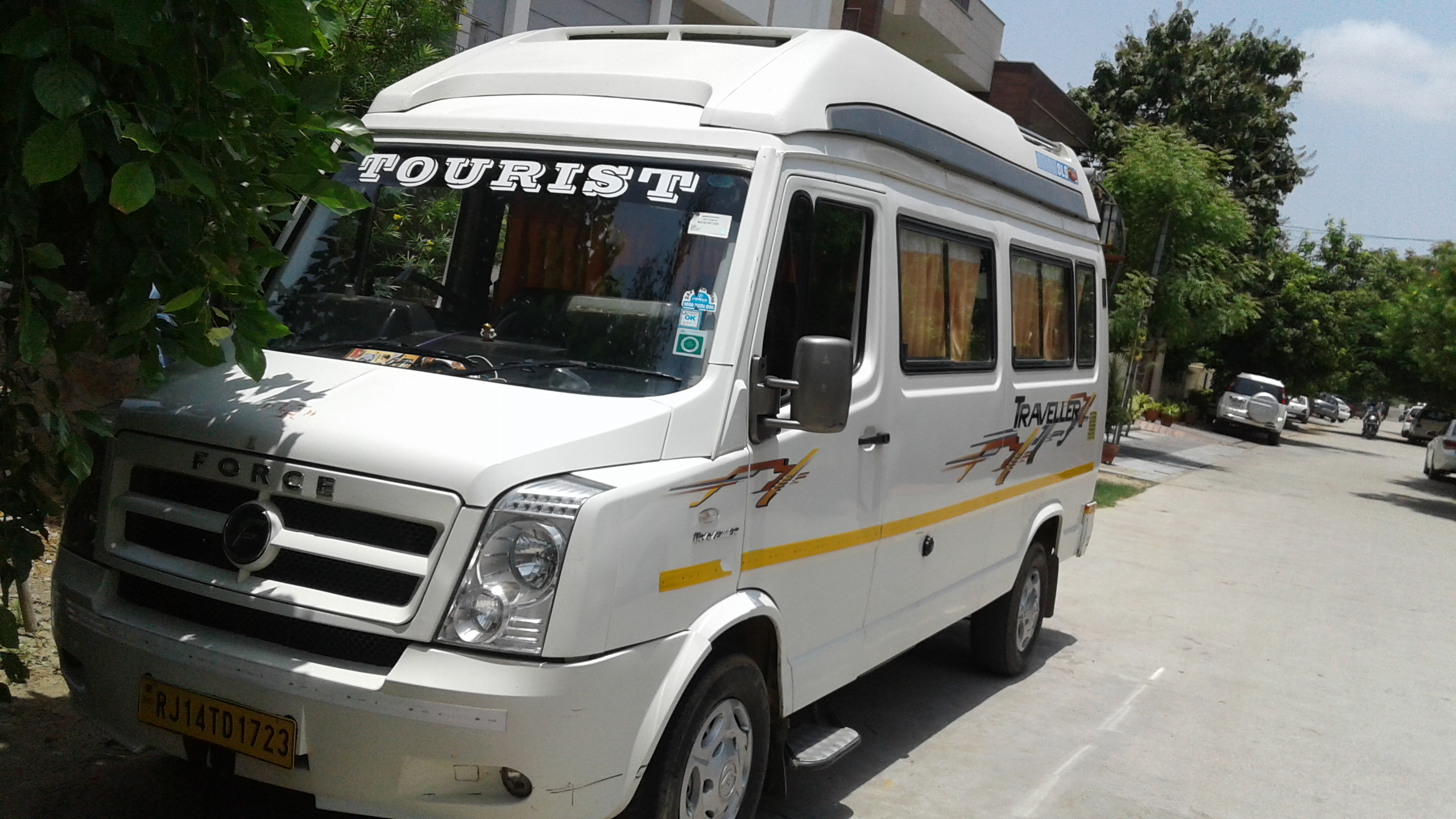 Tempo Traveller Hire For himachal tour