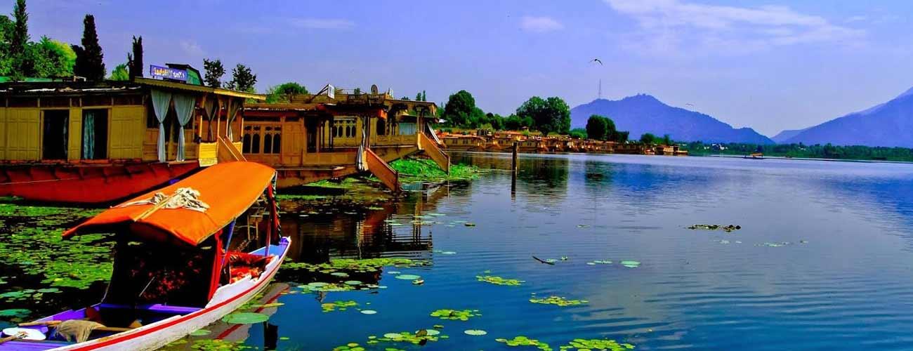 Tempo Traveller Hire For Jammu Kashmir Tour